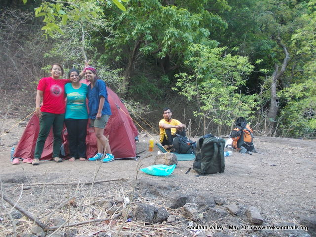 Sandhan-Valley-Girls-Camping