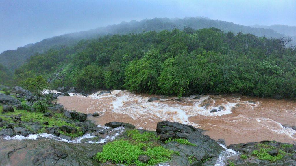 Bhimashankar-Trek-River-Crossing