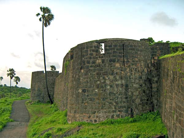 Madh-fort