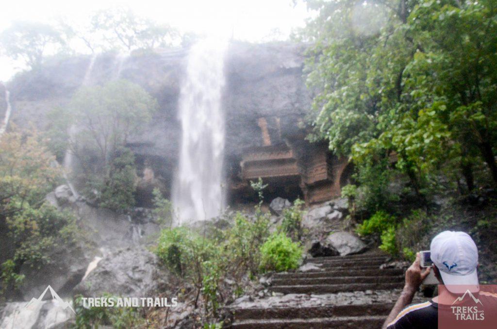 Kondane-Waterfall-Monsoon-Trek