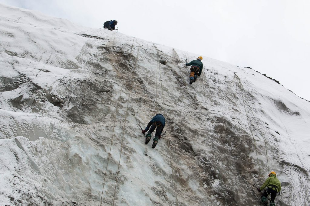 Basic-Mountaineering-Course-Ice-craft