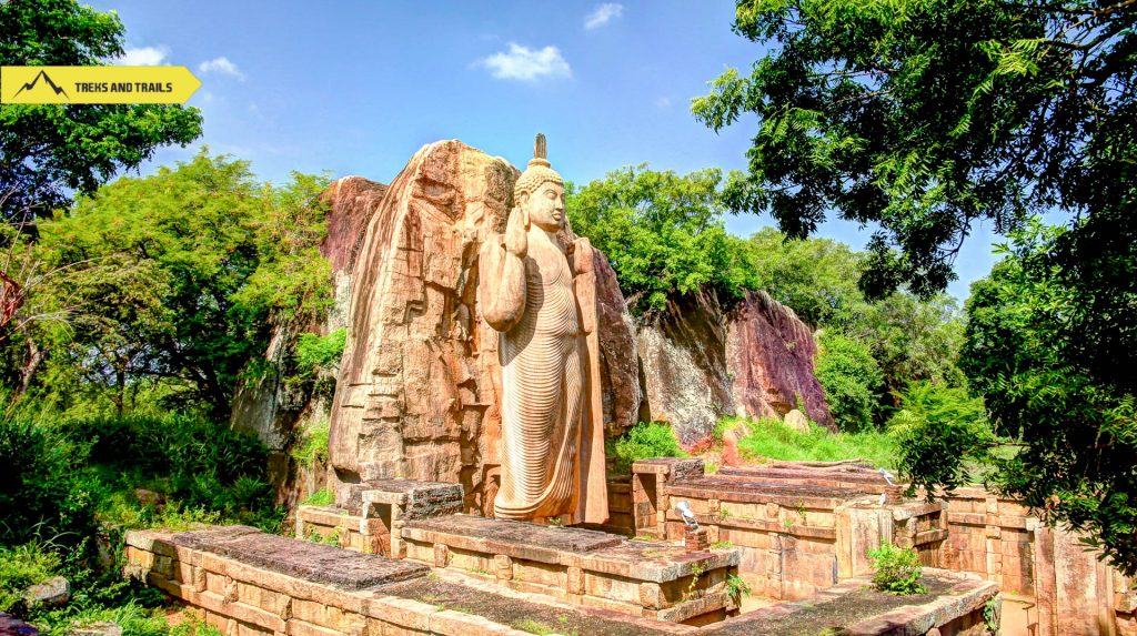 Avukana-Buddha-image