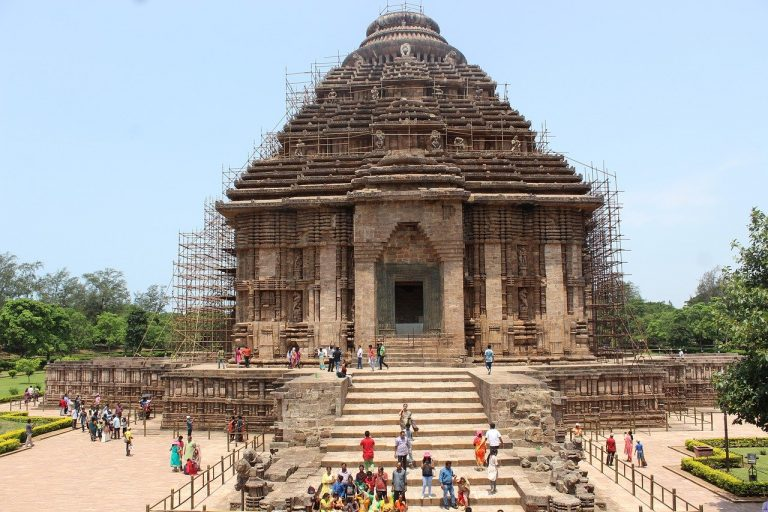 Orissa Tour into the Temple Cities of India
