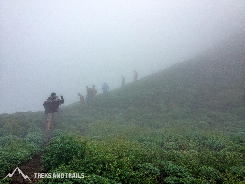 Ratangad-Monsoon-Trekking